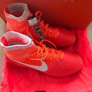 Nike Women Soccer shoe Magista Replace Studs Sz 8